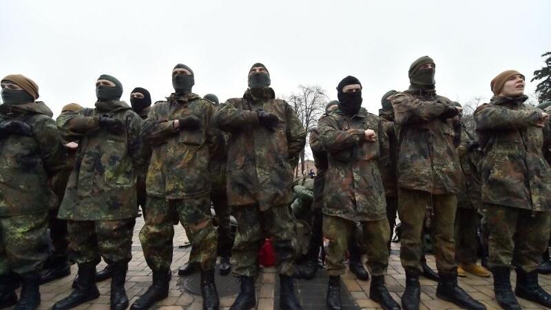 Confruntari extrem de violente intre rebeli si soldati, pentru aeroportul din Donetk: