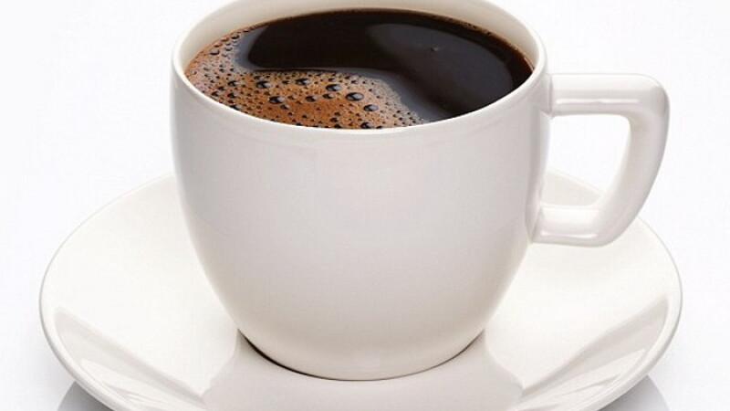 Studiu: O cafea pe zi tine cancerul de piele departe. Patru cesti, reteta de succes pentru o piele fara probleme
