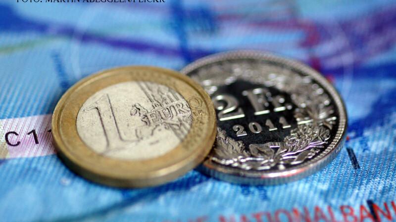 Proces important pentru romanii cu credite in franci elvetieni. Ar putea sa plateasca ratele la vechiul curs de schimb