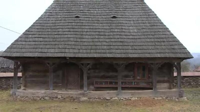 Turism acasa la Printul Charles. Cele doua case ale sale din Maramures vor fi date spre inchiriat, la preturi foarte mici