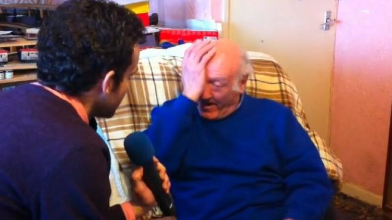A inceput sa planga atunci cand a ascultat acest mesaj, pe care il credea pierdut. Pe cine a auzit barbatul. VIDEO