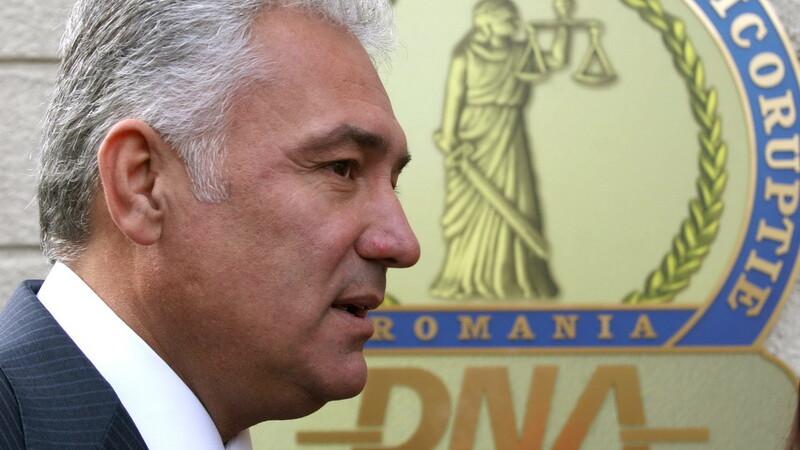 Adriean Videanu, Dorin si Alin Cocos, Alina Bica si fostul ei consilier Florentin Mihailescu au fost ARESTATI