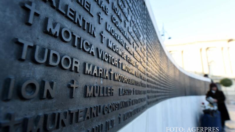 Ceremonia comemorarii eroilor martiri cazuti in timpul Revolutiei din decembrie 1989, organizata la monumentul pentru cinstirea Eroilor Revolutiei din Piata Revolutiei.