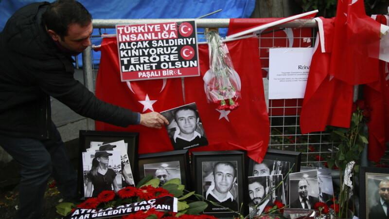 Autorul masacrului din Istanbul ar putea sa se indrepte spre Romania. Toate masinile care ies din Turcia sunt controlate