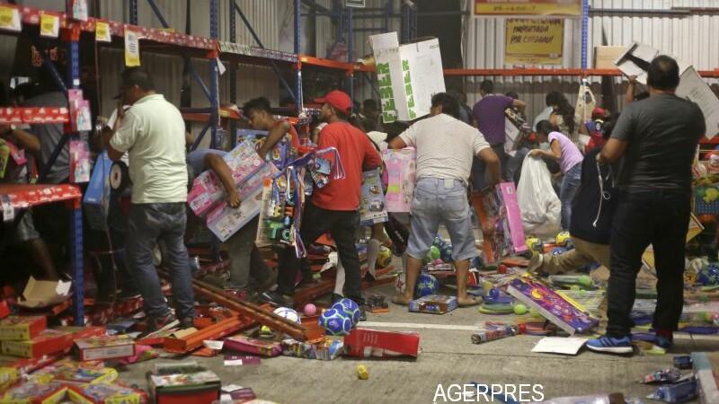 Proteste uriase in Mexic, dupa o decizie a presedintelui. Oamenii au spart magazinele si au blocat autostrazile. FOTO