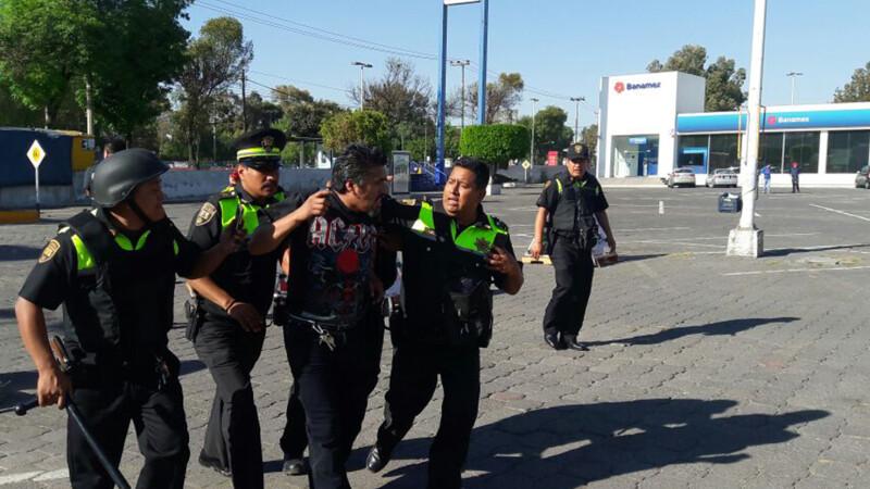 Noi violente in Mexic, dupa protestele impotriva cresterii pretului benzinei. Un om a murit si mai multi au fost raniti