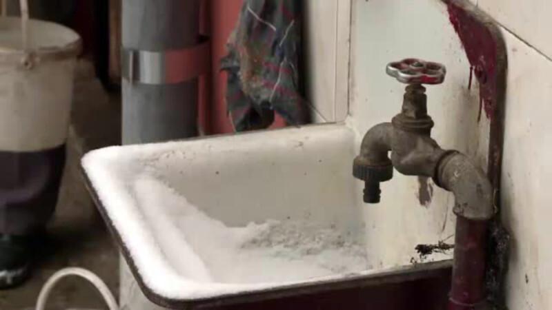 Satele in care oamenii traiesc fara apa curenta sau electricitate.