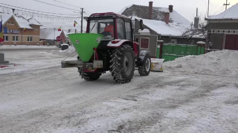 Comuna din Romania unde locuitorii au mereu soselele curate iarna. Costul total: 0 lei