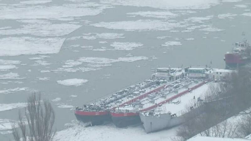 Sloiurile au blocat aproape complet circulatia pe Dunare. Bolnavii din Delta primesc ajutor doar pe cale aeriana