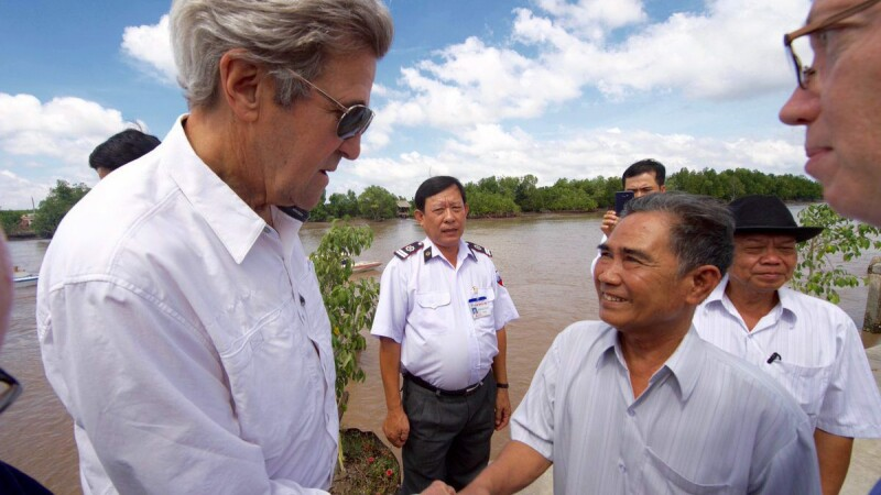 John Kerry in Vietnam - Agerpres