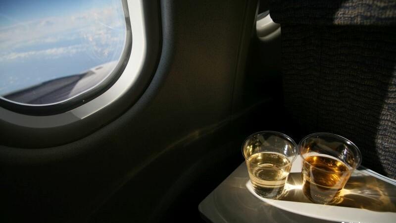 Cum a incercat un britanic de 28 de ani sa faca rost de alcool intr-un avion spre Tenerife. Pedeapsa primita