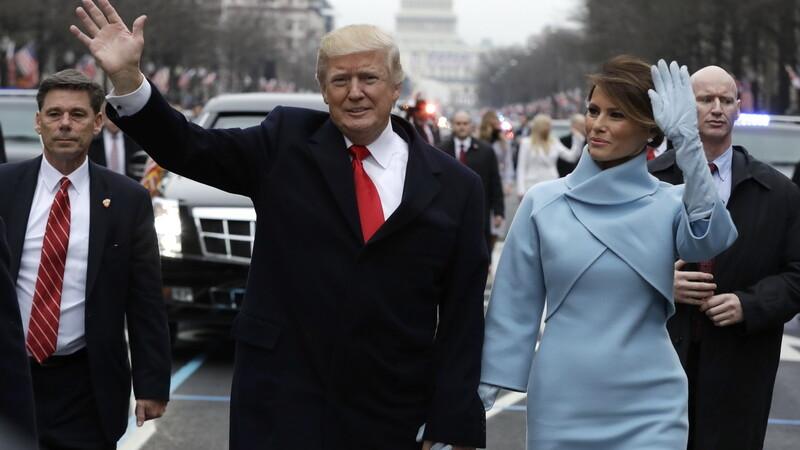 Noua Prima Doamna a SUA, Melania Trump, comparata cu Jackie Kennedy pe Twitter pentru tinuta aleasa la investirea sotului ei