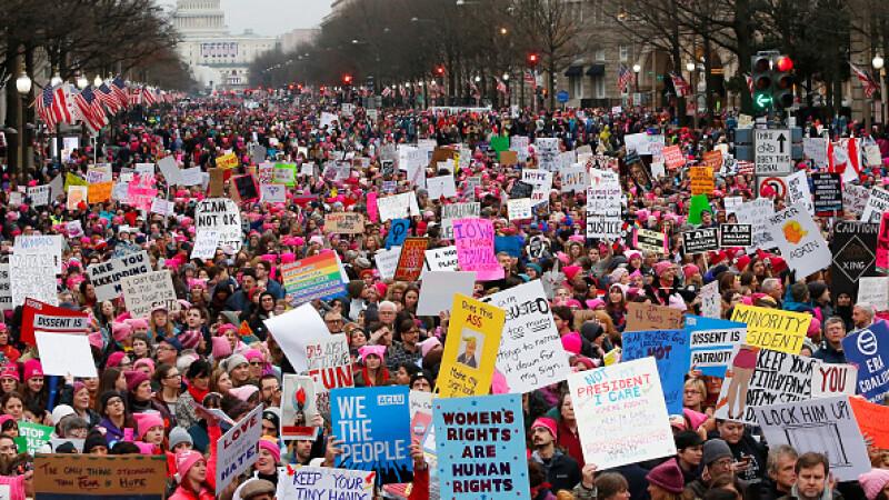 Milioane de oameni au manifestat contra lui Trump in SUA si in lume. La Washington a fost cel mai mare mars din istorie