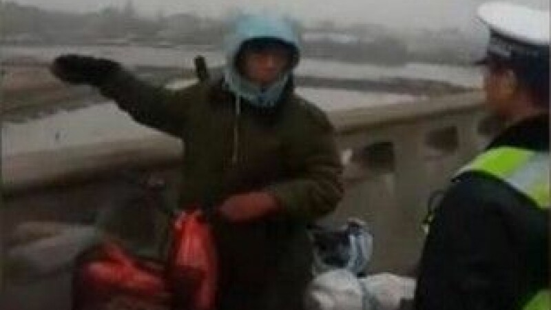 Un chinez a vrut sa mearga acasa cu bicicleta, dar a strabatut din greseala 500 de km in directia opusa. FOTO