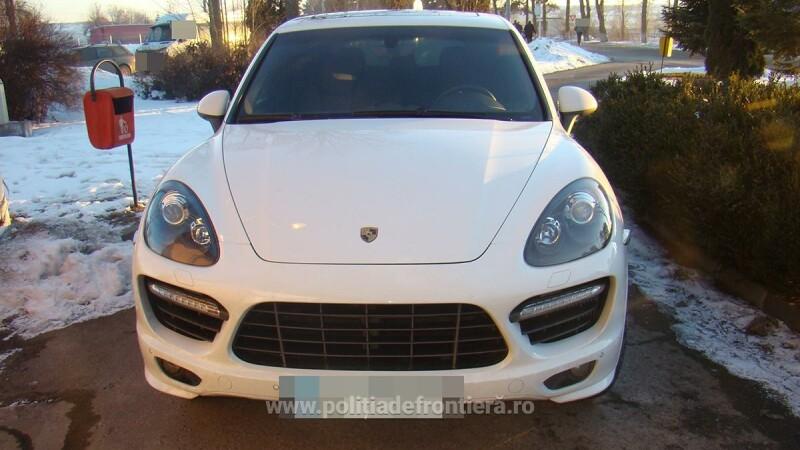 Porsche Cayenne de 50.000 de euro, cautat in Italia, identificat in Vama Siret. Cine a vrut sa treaca granita cu el