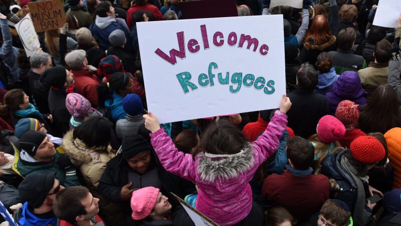 Haos dupa ordinul de restrictie dat in SUA. Primarul din Chicago a povestit cum bunicul sau a fugit din Moldova in America