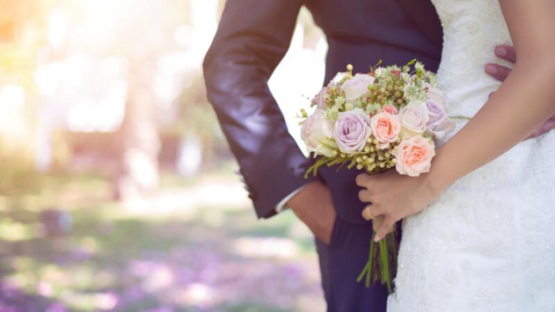 O femeie care suferea de cancer a murit a doua zi, după ce s-a căsătorit