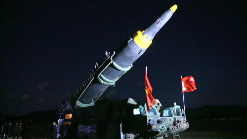 O rachetă nord-coreeană a explodat lângă un oraş, în timpul unui test. Phenianul a ascuns incidentul