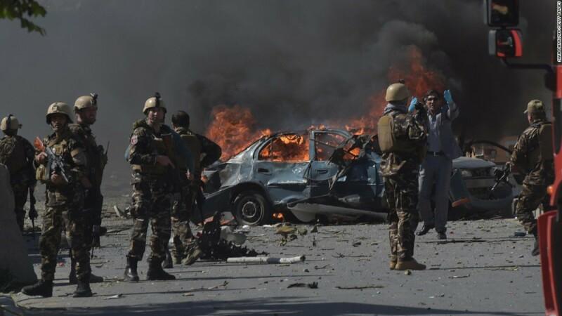 Atentat sinucigaş în Afganistan. Sunt cel puţin 11 morţi şi 25 de răniţi