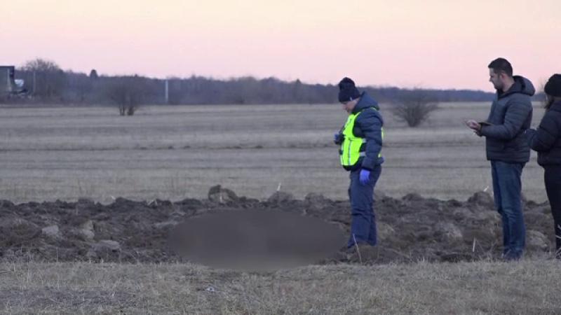 Copilul găsit mort în Suceava. Localnicii susţin ipoteza că a fost răpit şi abandonat