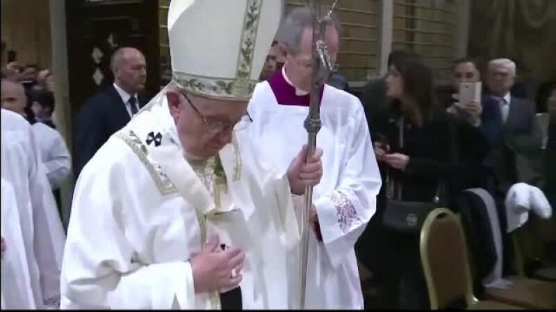 Sărbătoarea Epifaniei. Papa Francisc a botezat 34 de bebeluşi