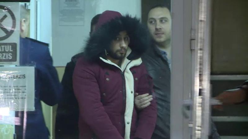 Tânăr acuzat de două femei că a făcut gesturi obscene, pe stradă, reținut, în Capitală