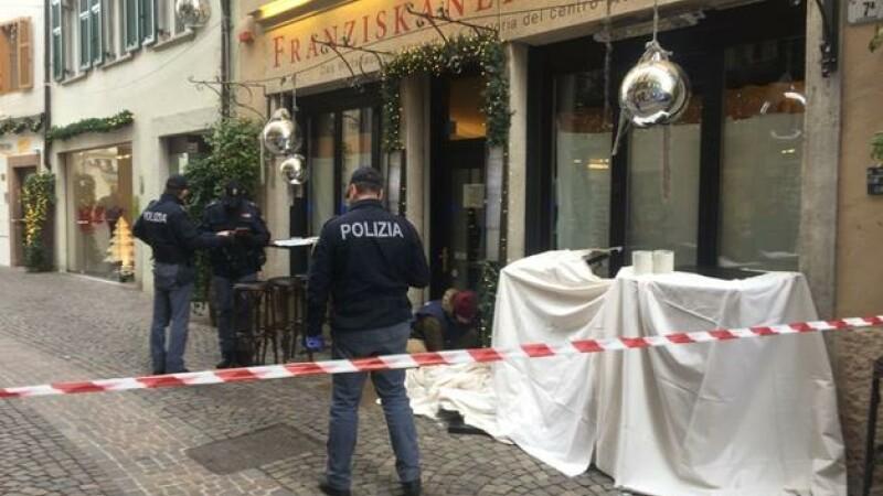 Hoț român mort în Italia, după ce a căzut de pe un acoperiș pe mesele de pe o terasă