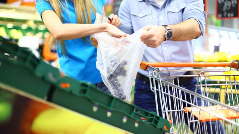 Pungile de plastic ar putea fi taxate în toate statele UE din cauza Brexit