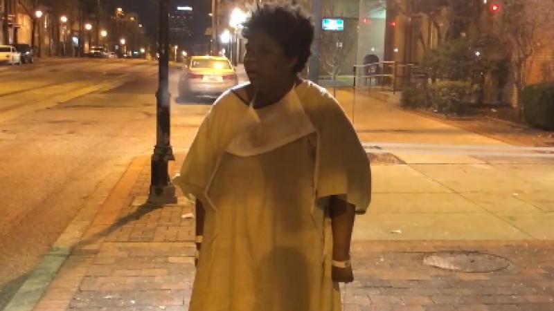 Pacienta unui spital din SUA, abandonată de personal în ger, într-o stație de autobuz