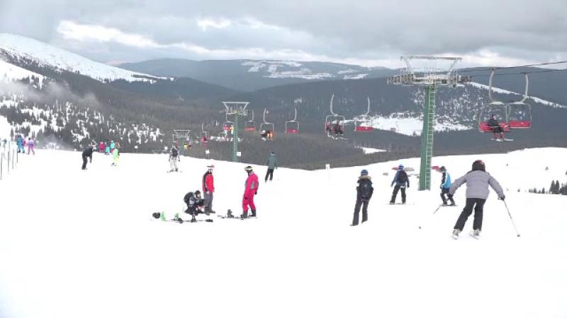 Munții Șureanu, locul ideal pentru schi. Cât costă un abonament de o zi