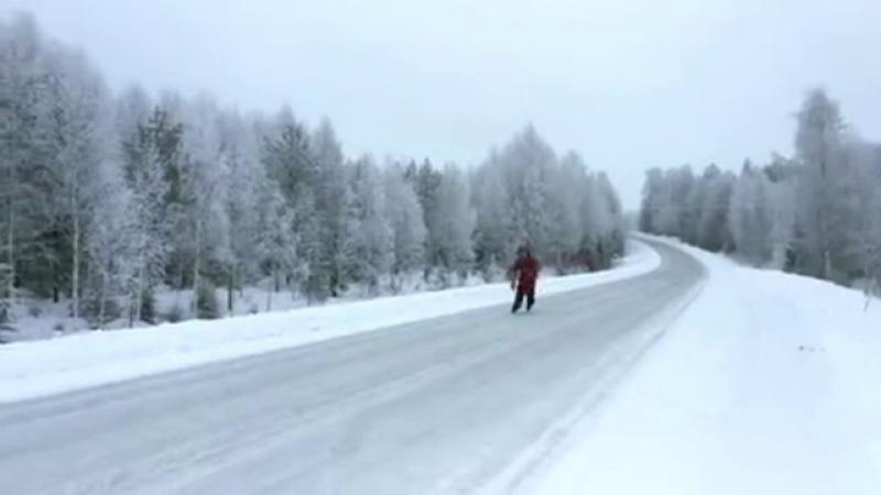 Cum atrage un finlandez atenția autorităților că trebuie să curețe zăpada de pe drum