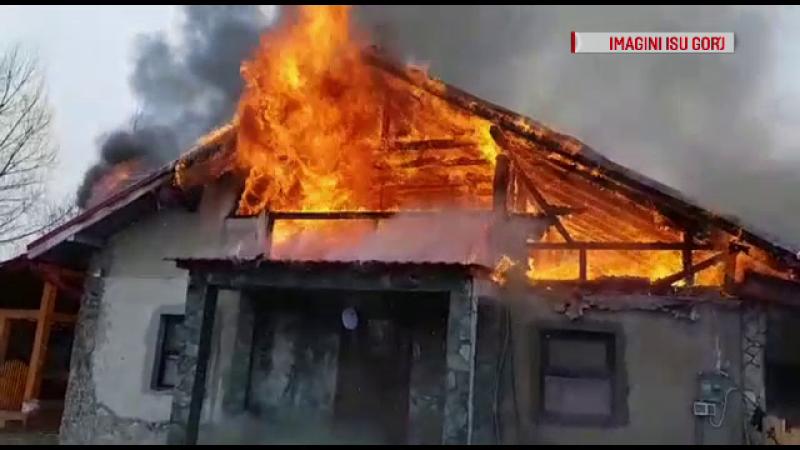 Incendiu casa din Gorj