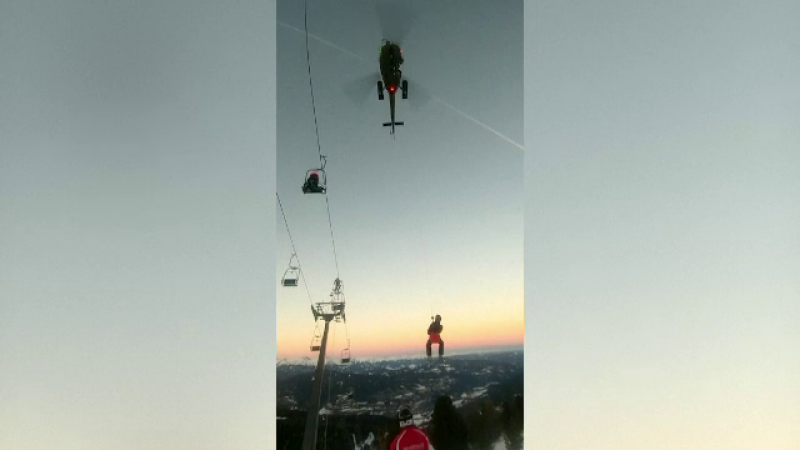 150 de schiori din Austria, salvați de pe munte cu elicopterele
