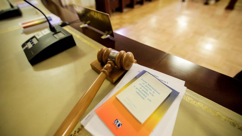 Sesizarea preşedintelui privind legea de organizarea a CSM, amânată pentru miercuri