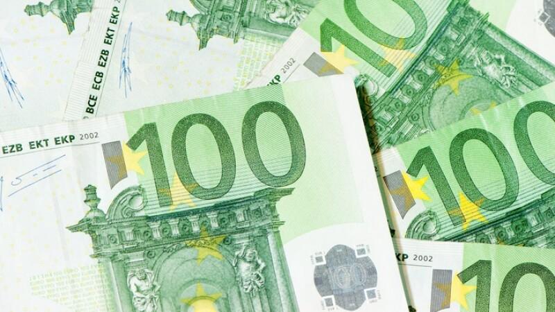 Cum arată noile bancnote de 100 și 200 de euro, mai dificil de falsificat