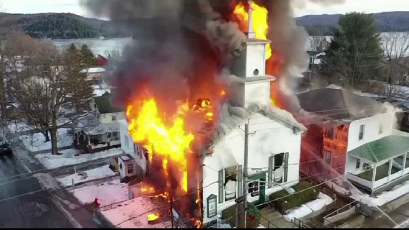 biserica, new york, incendiu,