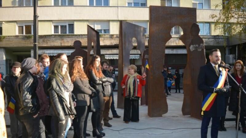 Primăria Arad, amendată pentru că a inaugurat un monument neautorizat