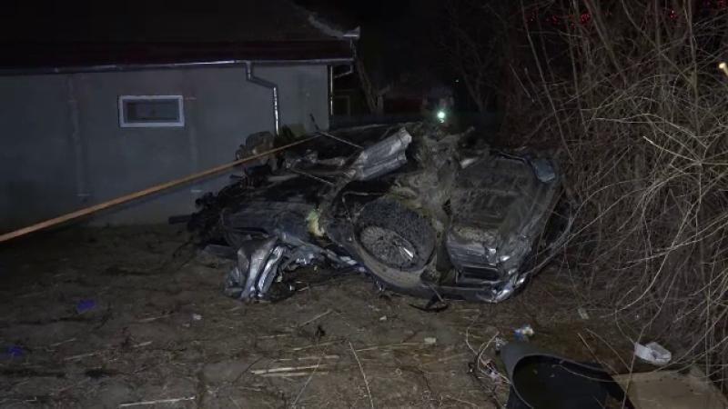 """Tragedie provocată de șoferul unei mașini cu volan pe dreapta. """"A zburat peste gard"""""""