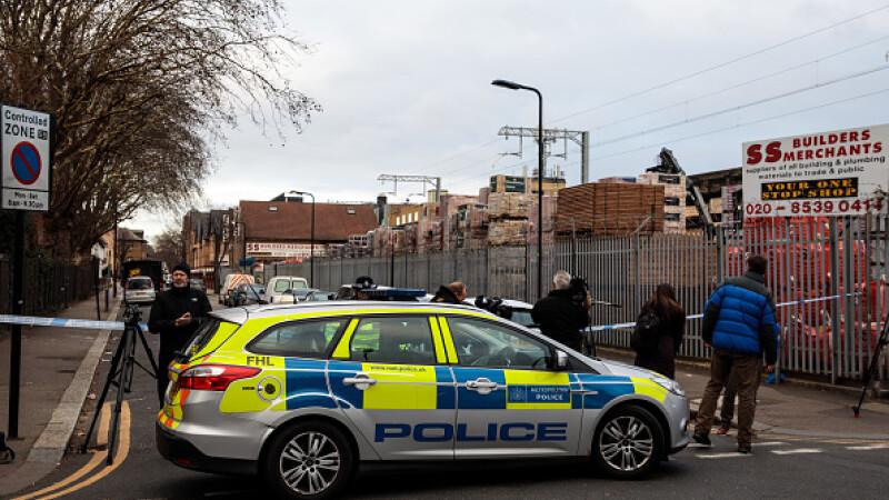Băiat de 14 ani, ucis cu 7 lovituri de cuțit în Londra. A fost lăsat să moară în stradă
