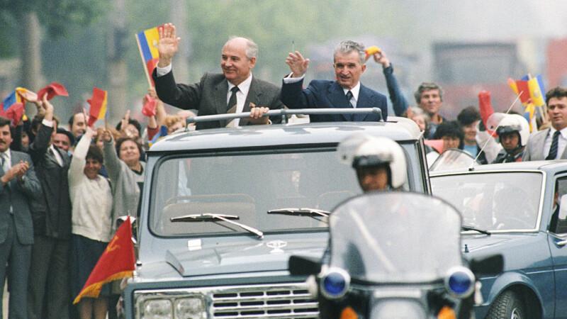 Ceauşescu şi Gorbaciov în ARO, 1987