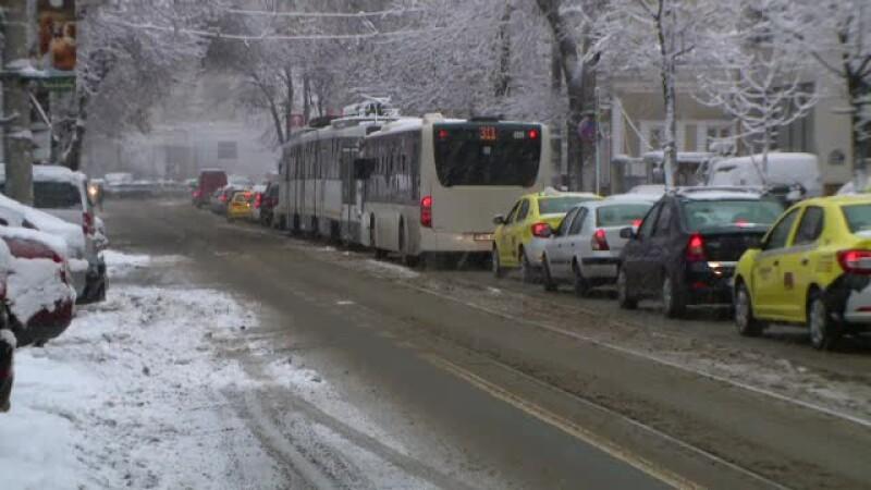 """Episod de vreme severă în Capitală. Șoferii au răbufnit în trafic: """"A fost teroare"""""""