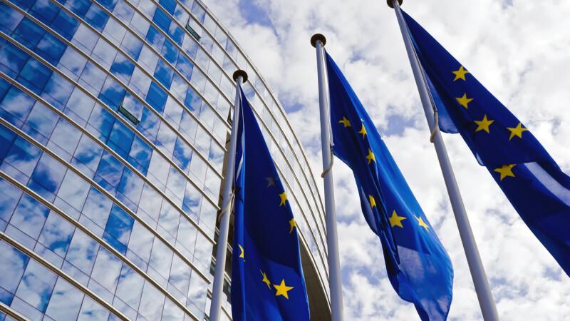 Controversata reformă a drepturilor de autor pe Internet, votată de Parlamentul European