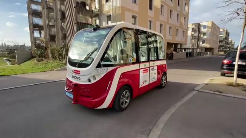 Cum arată o călătorie cu autobuzul de 300.000 € care circulă fără șofer