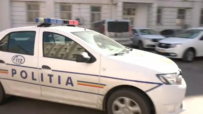 Mașină atacată cu bastonul de un șofer fără permis