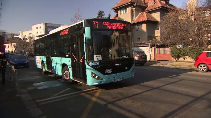 Primăria Capitalei a scos în trafic 18 autobuze noi care deservesc cinci școli