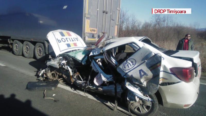 Accident grav în Caraș-Severin. Au fost implicate o mașină de poliție și o ambulanță