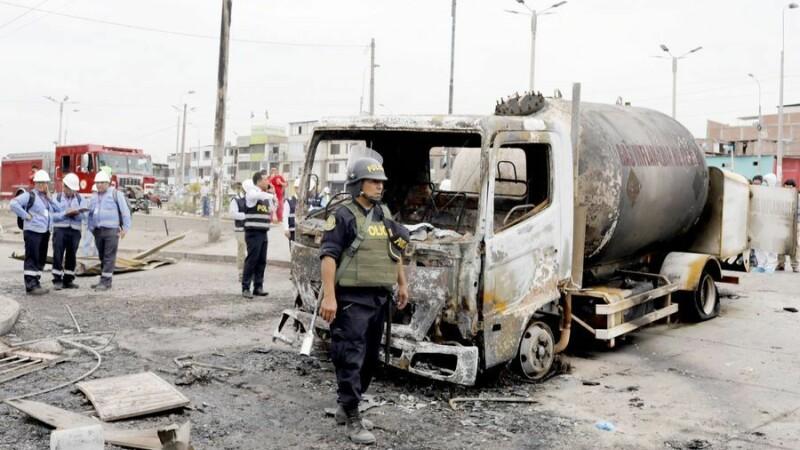 Tragediue uriașă în Peru. 15 oameni uciși de explozia unei cisterne - 4