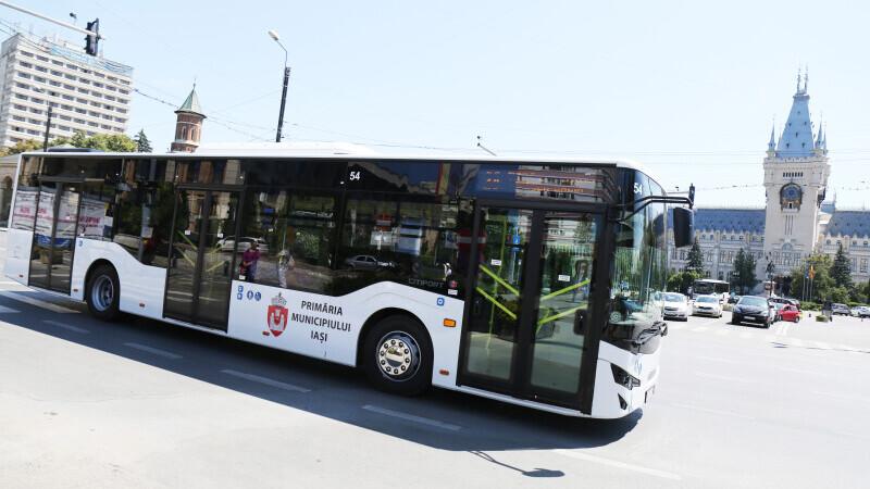 Infractorii din autobuzele ieșene, depistați cu o aplicație de pe telefonul mobil. Cum funcționează
