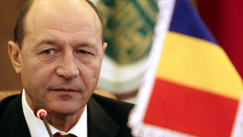 Băsescu s-a îmblânzit după ce s-a răstit la o sinistrată