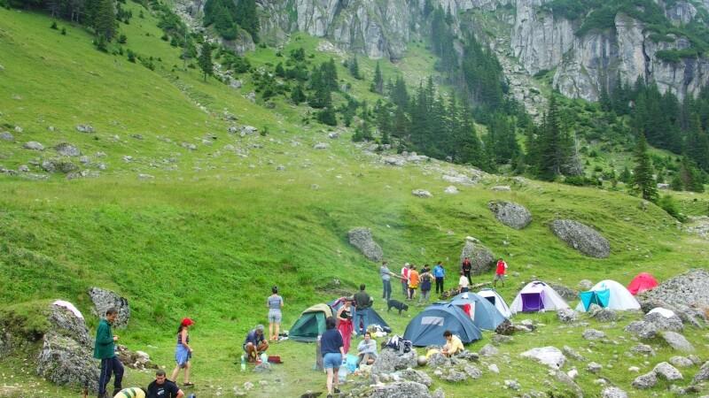 Turisti munte